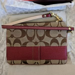 🆕 Coach Red Crimson Tan Signature Wristlet Wallet